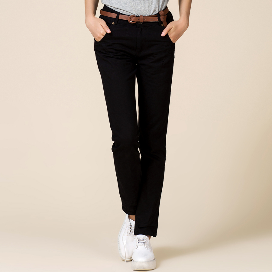 Ideal for work, happy hour or a weekend gathering, women's crop pants are must-haves. And you can find them here at Kohl's! For your everyday look, shop our line of Gloria Vanderbilt capris. If an active wardrobe is more your thing, shop Under Armour capris or .