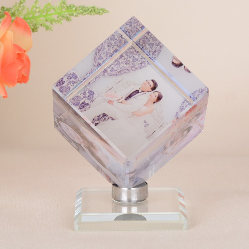 Custom-made Hot-Selling Rotating Cube Crystal Diy Photo Frame For Picture(China (Mainland))