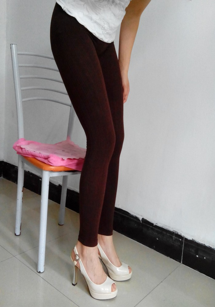 New Woman Autumn and Winter Warm Leggings Female Wool Large Size Seamless Body Pants brown colour for old women(China (Mainland))