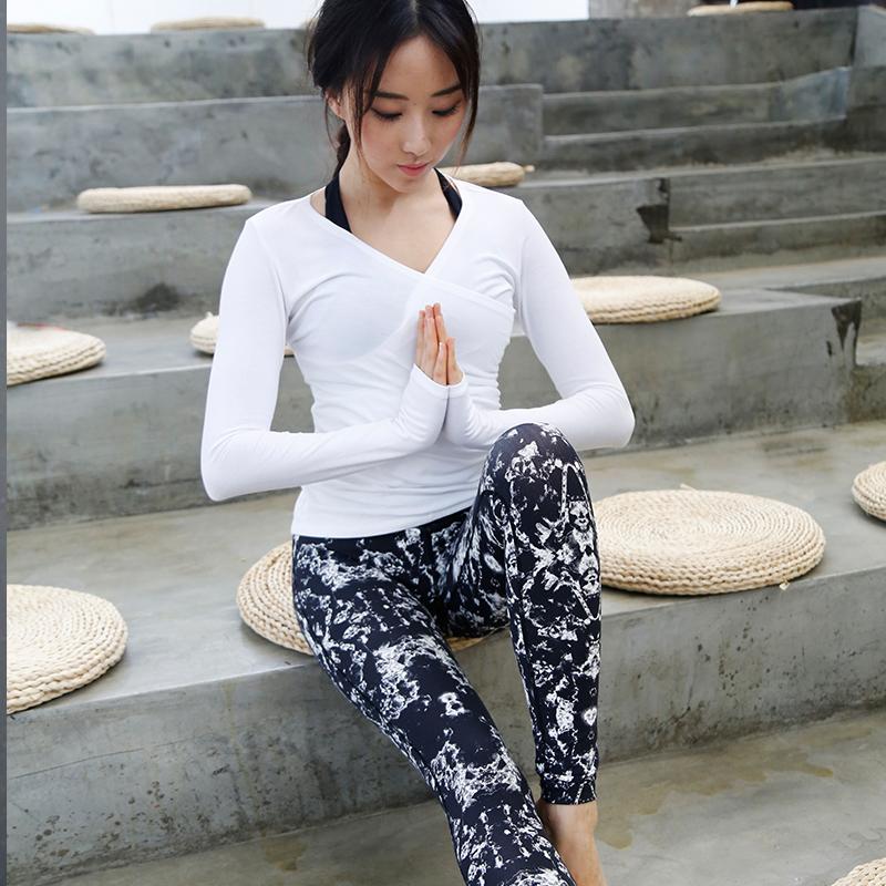 Professional yoga women long sleeved t-shirts sports dry clothing V collar puckering training running fitness female t shirt(China (Mainland))