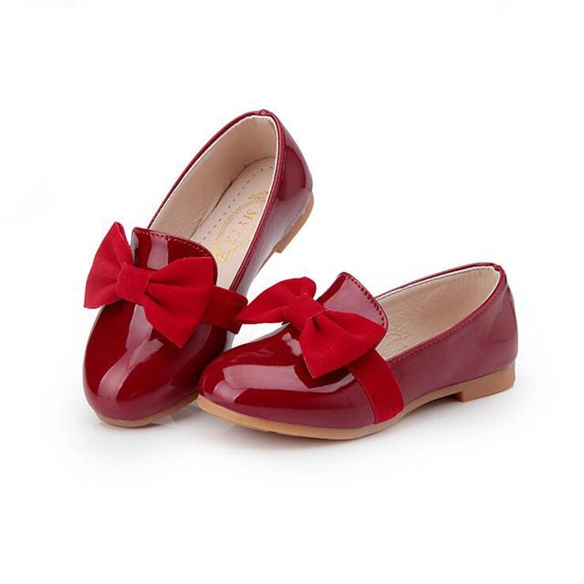 2016 Весной Новые Девушки Обувь Большой Галстук-бабочка Узел Принцесса Кожаные Дети Сандалии детские Повседневная Обувь Обувь для Девочек Черный Красный Eur 26-36
