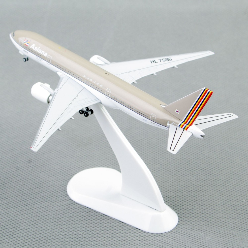 StarJets 1:500 Scale Mini Asiana Airlines Boeing 777-200 Diecast Aircraft Airplane Model Airplane Toys Model Gifts Collection C(China (Mainland))