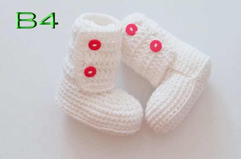 free shipping,NEW HOT Handmade Crochet Warm Winter Booties Boots Baby First Walker Shoes -white(China (Mainland))