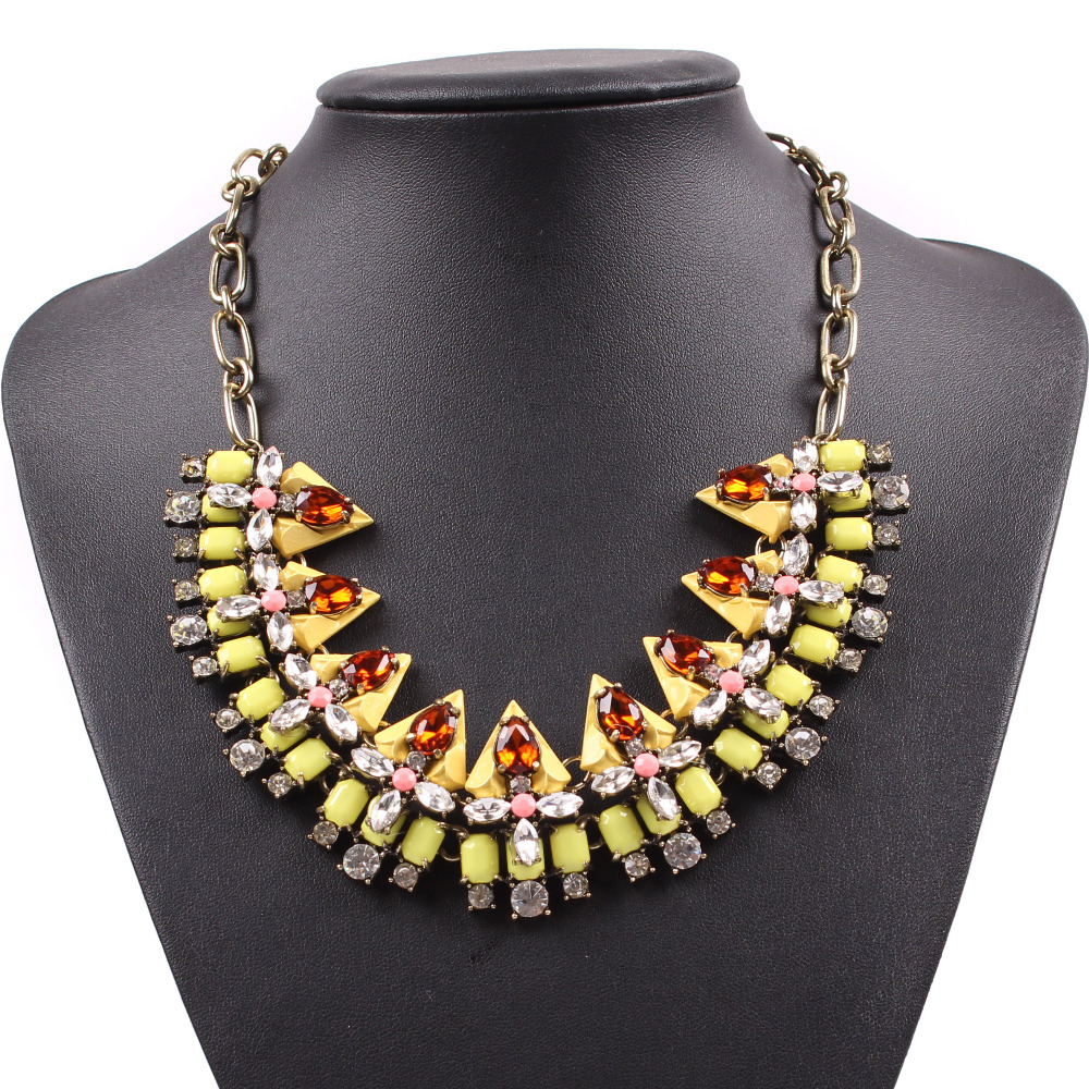 fashion 2016 new model vintage gold chain spike statement crystal necklace for girls sexy jewelry on party(China (Mainland))