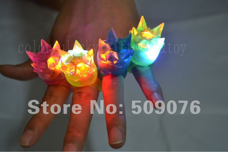 Free shipping 50pcs/lot 3*4cm 4color led finger ring with crown led finger light wholesale for wedding favors(China (Mainland))