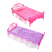 Girls Beautiful Pink Plastic Bed Bedroom Furniture For Dolls Dollhouse(China (Mainland))