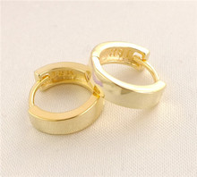 Hot Sale 1pair 18K Gold Filled Glossy Classic Woman's Hoop Earrings(China (Mainland))