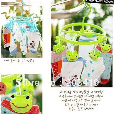 best selling Cute Plastic Clothes frog Hanger 8 Clips drying rack clothes hanger socks wholesale retail(China (Mainland))