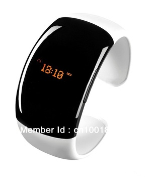 Hot Sale Ladies Bluetooth Fashion Bracelet with Time Display Call/Distance Vibration Caller ID/Mobile anti-lost