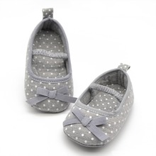 2016 New Fashion Fancy Baby Items Dotted Bow Shaped Princess Baby Shoes Color Gray Sizes S M L Drop Shipping(China (Mainland))