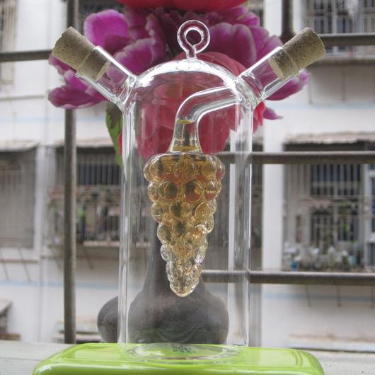 Grapes With hook Olive vinegar Kitchen storage Glass Bottle / Jar sauce / Cruet For Seasoning / Oil And Vinegar Bottle(China (Mainland))