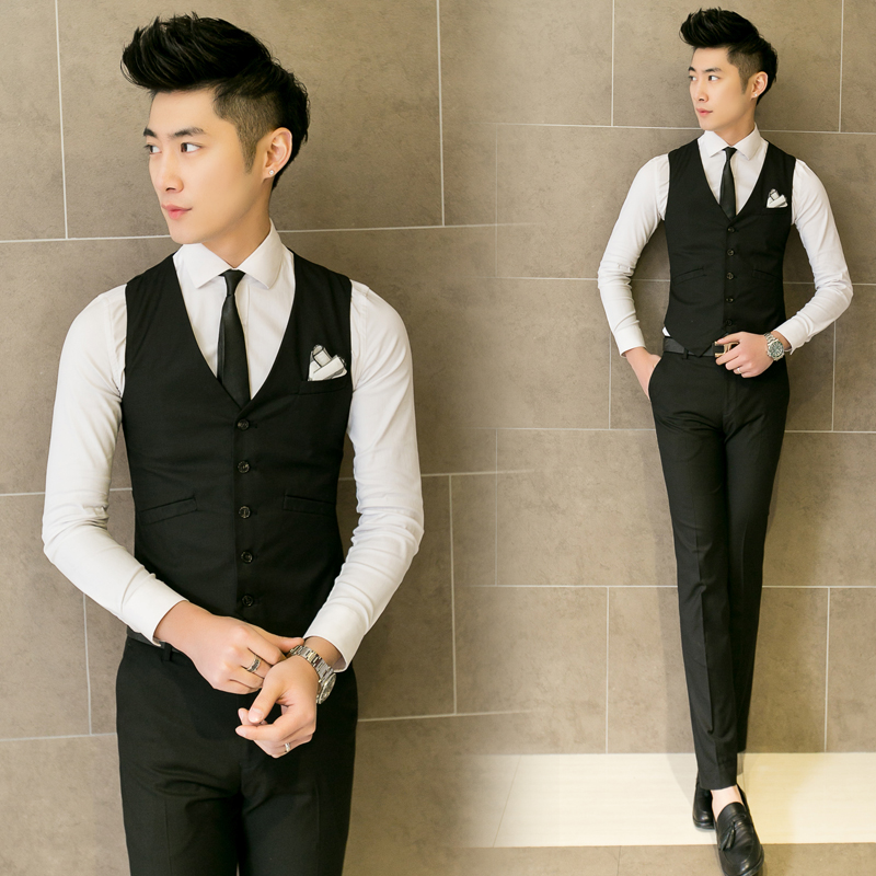 2016 New male fashion pure color slim gentleman V-neck suit vest / Men's boutique quality business suit vest brooch decoration