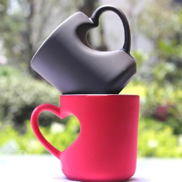 Creative Ceramic Heart Shape Coffee Cup with Black and Red Color Birthday Gift Ideas(China (Mainland))