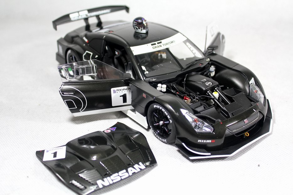 1:18 GTR NISSAN GT500 GT5 AUTOART version of the limited edition<br><br>Aliexpress