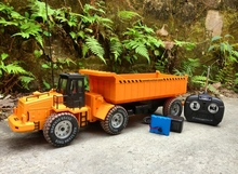 Super large engineering vehicle remote control electric dumper(China (Mainland))