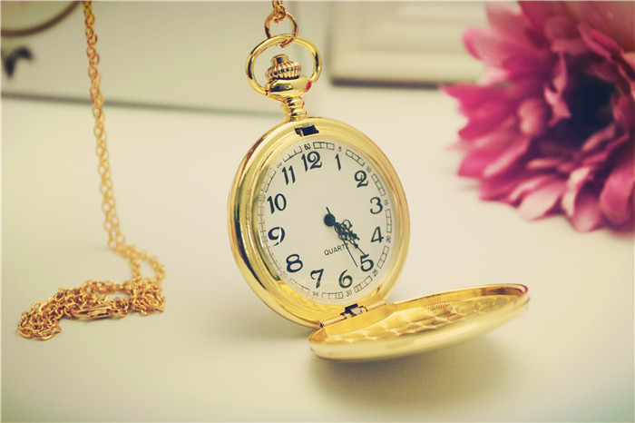 GR Free Ship 50pcs/lot Sale High Quality Smooth Empty Face Golden Polish Large Quartz Movement Pocket Watch Key Chain For Bags<br><br>Aliexpress