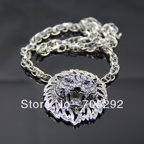 Vintage Retro Silver Plated Chain Jewelry Lion Head Adorned Bib Pendant Necklace Free Shipping(China (Mainland))
