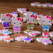 100pcs/Lot Mixed Cute Hello Kitty Wooden Buttons Sewing Scrapbooking 20x25mm Kawaii Colorful Painting 2 Holes Button(China (Mainland))