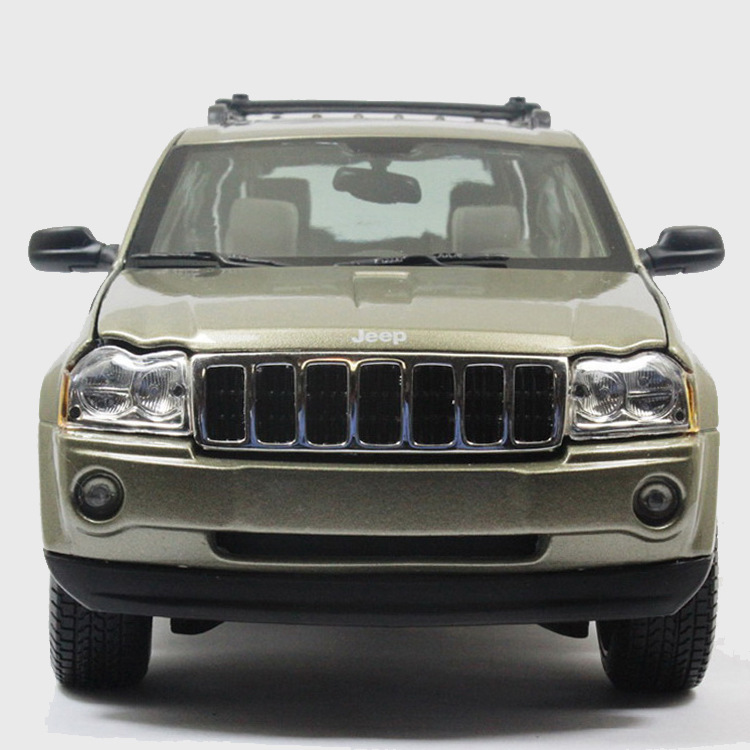 Maisto 1:18 Jeep GrandCherokee SUV Alloy car model Toy Simulation Car Diecast Models Collection Metal cars(China (Mainland))