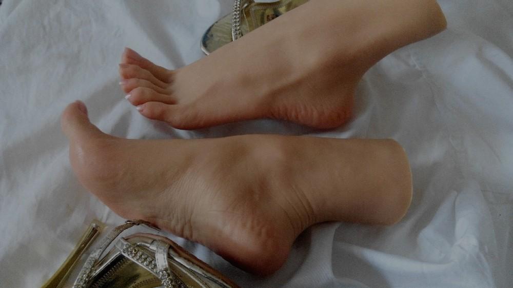 Lesbian Foot Lover 5