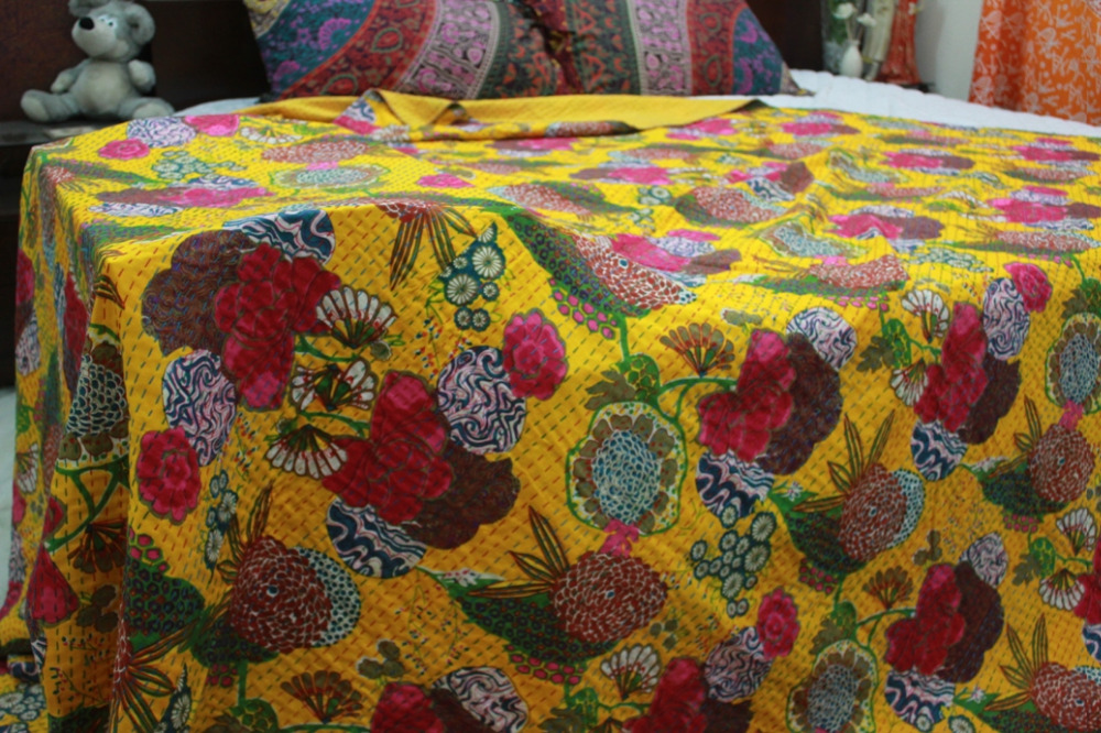 Indian Kantha Quilt, Kantha Bohemian, Reversible Bedsheet/Bedspread Decorative Vintage Bedding (KING Size, 100% Premium Quality)