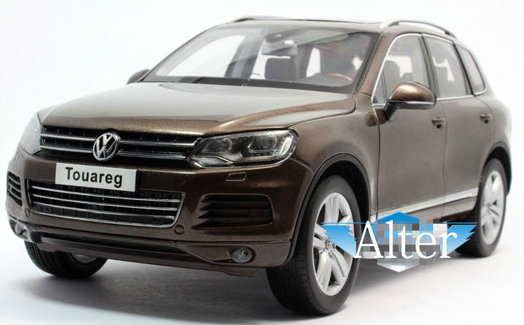 1:18 Die cast Model Car Toy For Volkswagen Touareg 2010 Automobiles Car Alloy Scale Model Toys Gift Display Collection(China (Mainland))