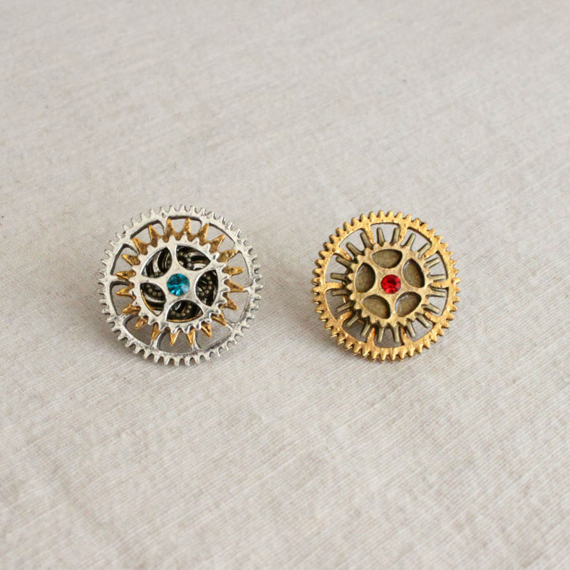 Free Shipping 2pcs/lot Steampunk Watch Cog Collar Hat or Lapel Pin Watch Gears Brooch(China (Mainland))