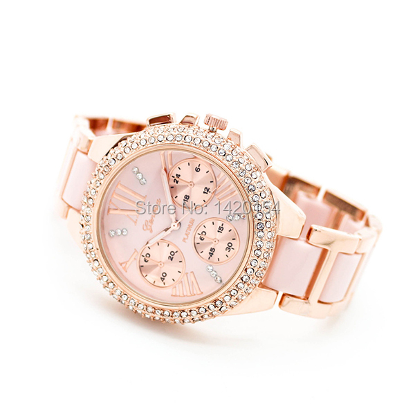High Quality New Vintage Stylish Ladies Geneva Quartz Watches at Cheap Price(China (Mainland))