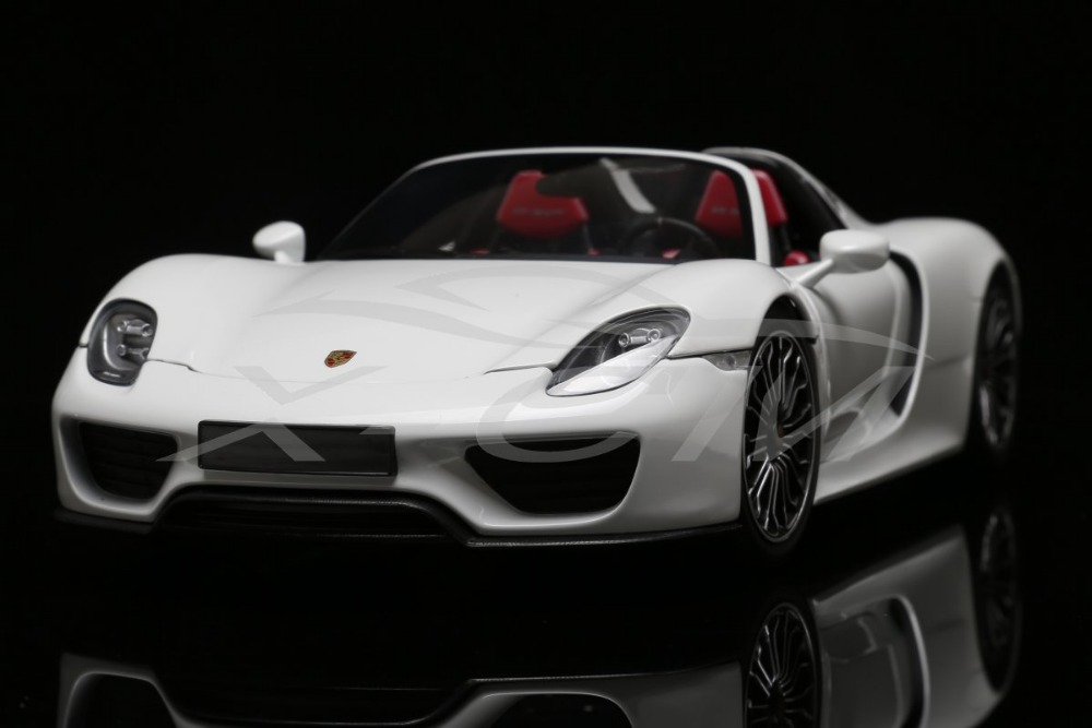 Diecast Car Model Minichamps 918 Spyder 1:18 White Color + SMALL GIFT!!!!!!(China (Mainland))