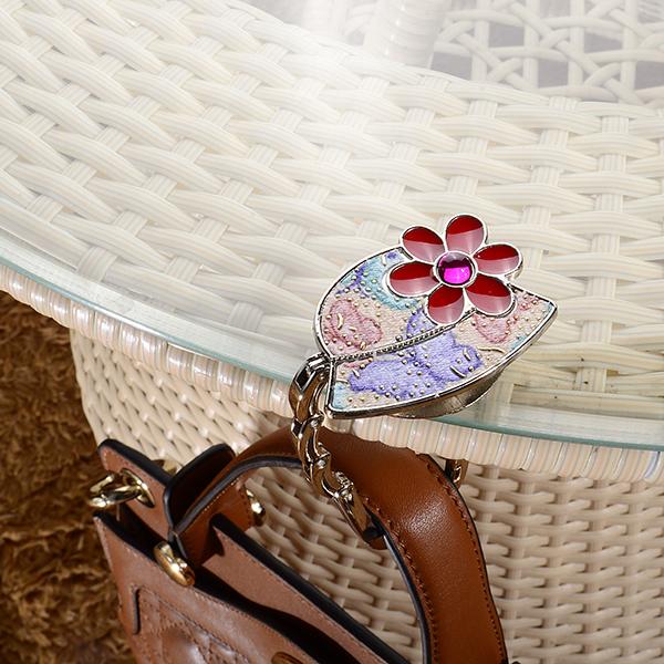 Fashion Metal Folding Lady Purse Hook Handbag Holder Bag Hanger Hat Shape(China (Mainland))