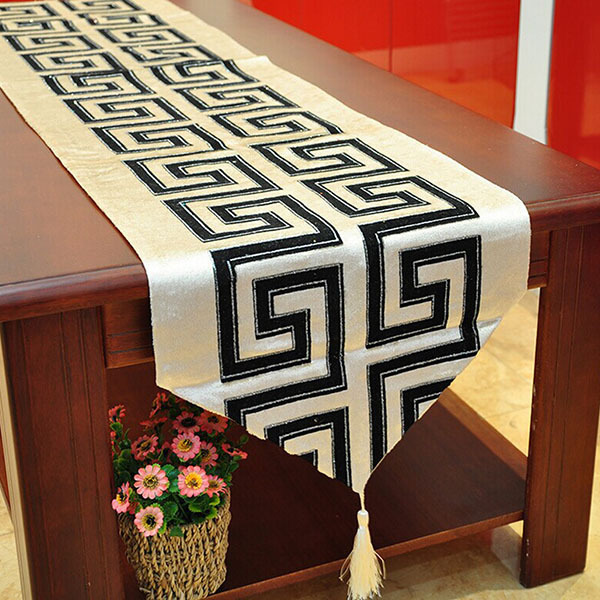 2 Sizes Tablecloth fashion simple classical table flag Table Runner(China (Mainland))