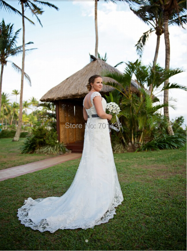 2016 Spring Wedding Dress Lace Bridal Gown Capped Sleeves Beaded Sweetheart Court Train Modest Bride Wedding Gowns Custom Made(China (Mainland))