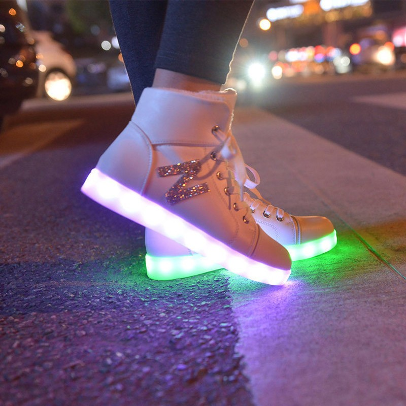 2016 Winter High Top Letter Led Shoes For Women Glowing Dance Black Wihte Light Up New Simulation Sole Usb Charge SS1609051