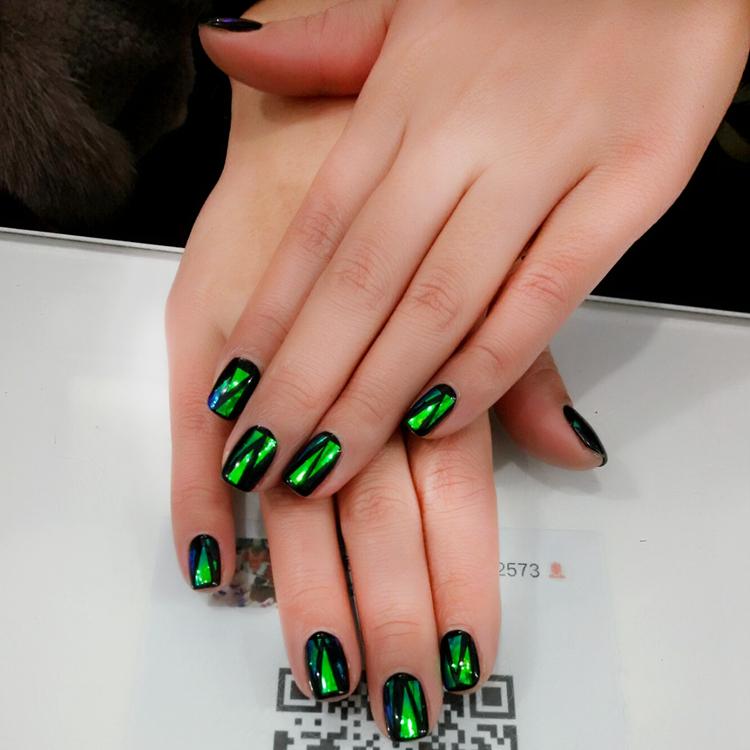 Hot Sale Handmade Fake Nails 24pcs Shattered Emerald Designed Short ...