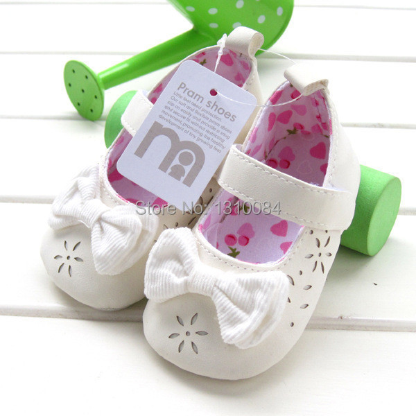 Free shipping!Mothercare baby girls shoes fretwork soft sole infant kids toddler shoes first walkers newborn bebe shoes retail!(China (Mainland))
