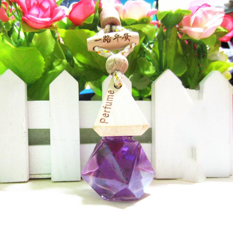2pcs Natural Pure Essential Oils Mini Perfume Bottle Portable Hanging Car Exquisite Decoration Random Color(China (Mainland))