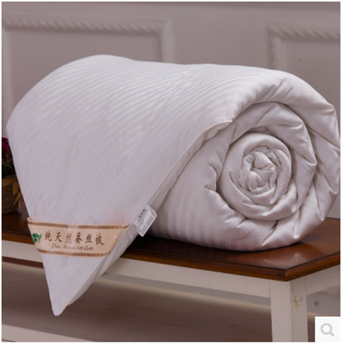 Fast shipping 1.5KG Winter/Autum handmade 100% pure mulberry silk quilt/duvet/comforter queen size 200*230cm silk quilt(China (Mainland))