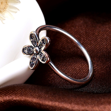 Authentic 925 Sterling Silver Ring With Daisy Crystal Wedding Ring Fit Original Jewelry European Brand Pandora Rings R43