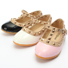 New Girl Kids Toddler Princess Sandals Anti-slip Sole Buckle and Rivet Decor T-strap Flats Pointed Toe Comfortable Flat Shoes(China (Mainland))