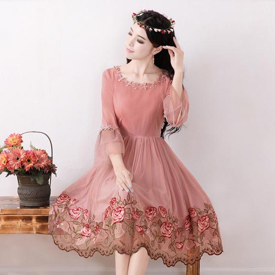 2015 Spring and summer dress temperament super fairy goddess embroidered gauze big swing dress casual dress vestidos