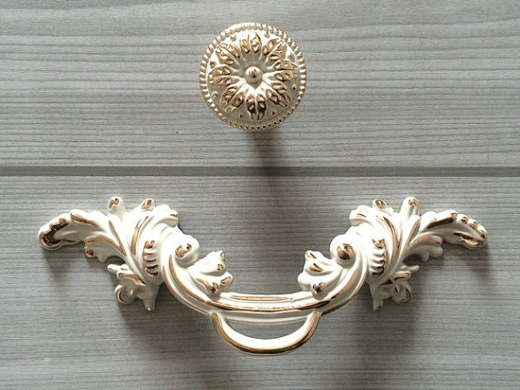 """2.5"""" Shabby Chic Dresser Pull Drawer Pulls Handles White Gold Rustic Kitchen Cabinet Handle Door Knobs Pull French Country 64 mm()"""