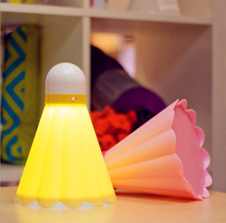 Lighting small night light table lamp eye bed-lighting fashion badminton eye lamp(China (Mainland))