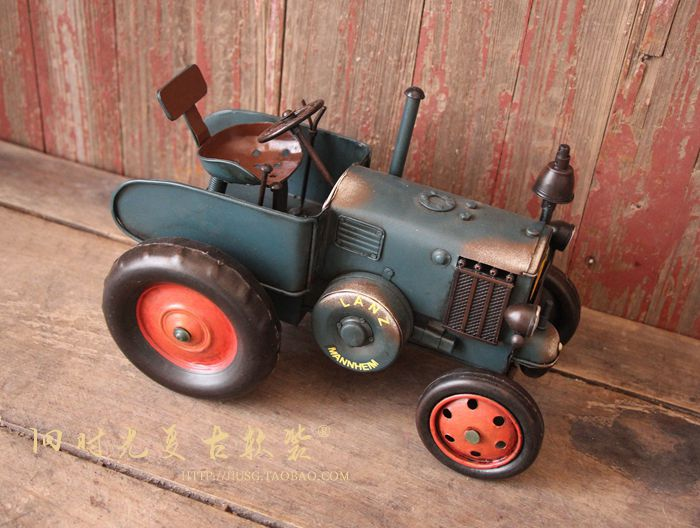 Metal handmade vintage retro finishing cars blue tractor model(China (Mainland))