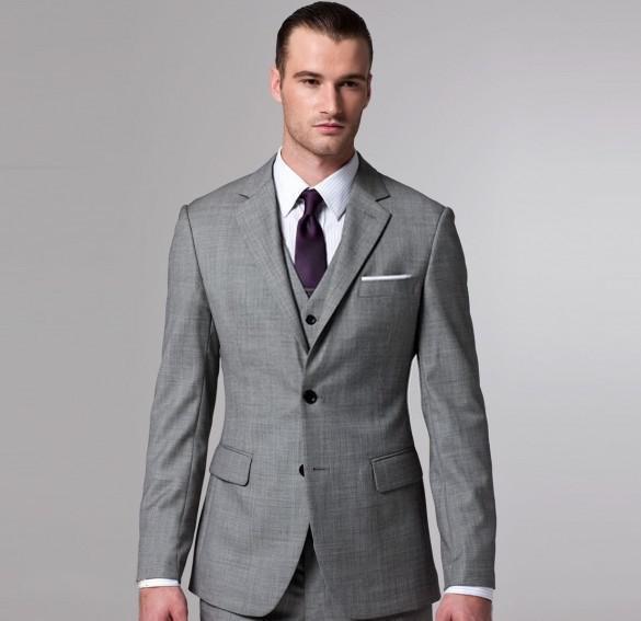 Encuentra una gran variedad de diseños en trajes y sacos para hombre y luce elegante. Elige uno para cada momento especial.