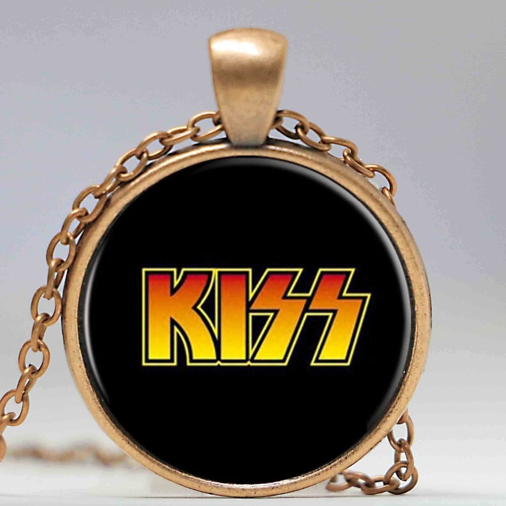 Free shipping rock band Kiss pendant zinc alloy retro fashion necklace for fans(China (Mainland))