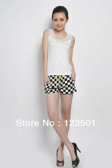 Free Shipping  2013 New European And American Style Checkerboard Chiffon Women's Shorts