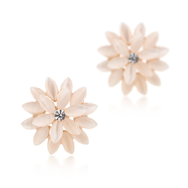 Free Shipping Korean Fashion Cat-eye Daisy Stud Earring Ear Clip