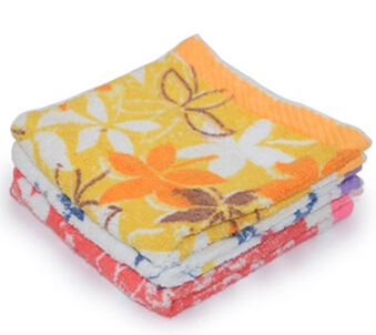 Hot sale 3pieces/pack soft skin towel polyester and cotton material printing square small towel with white/red/yellow(China (Mainland))