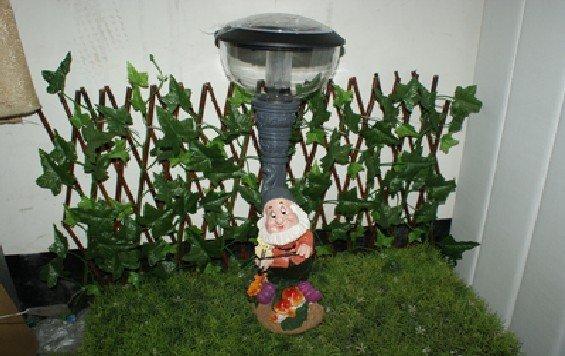 Free Shipping courtyard garden lights solar lawn lights gift lamp resin violin dwarf