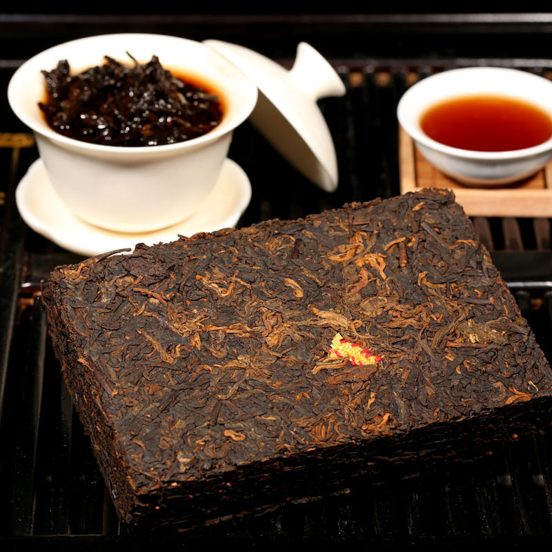 Cellaring tea tea brick 250g old puer tea Yunnan Pu er cooked brick tea super aged